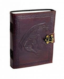 Dragon Tales - Vintage Journal intime en Cuir de Buffle NOUVEAU TYPE DE PAPIER de coton fait main en Inde de la marque ROOGU image 0 produit
